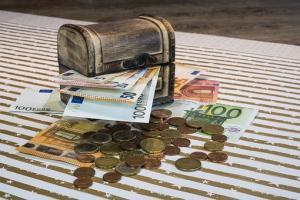 Wskaźnik określający minimalny koszt zakupu waluty
